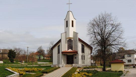 kostol tvrdomestice