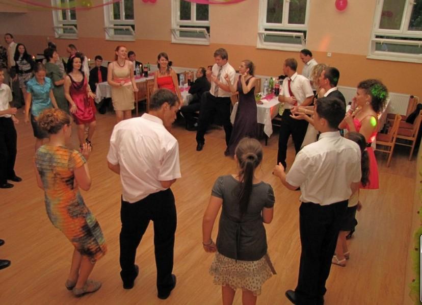 mládežnícky ples tesáre