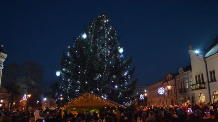 Vianočné mestečko v Topoľčanoch