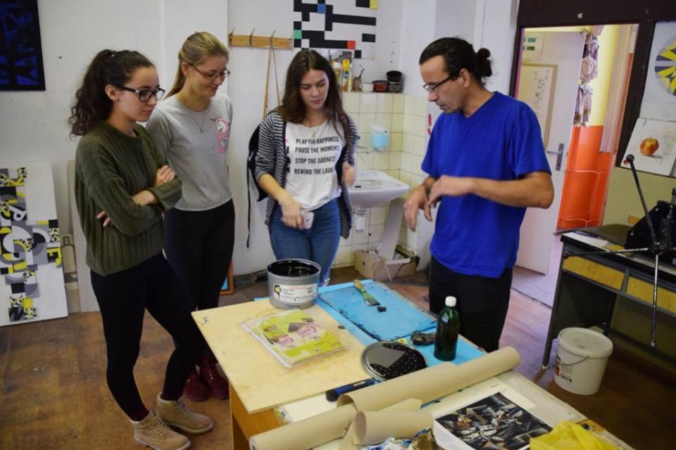 stredn� �kola umeleck�ho priemyslu topolcany studuj na nasej strednej skole