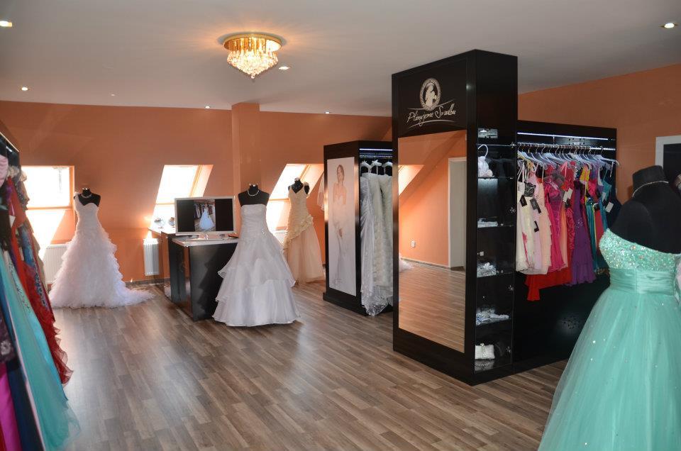 c0e982643d2e Svadobný salón Laura Topoľčany - šaty