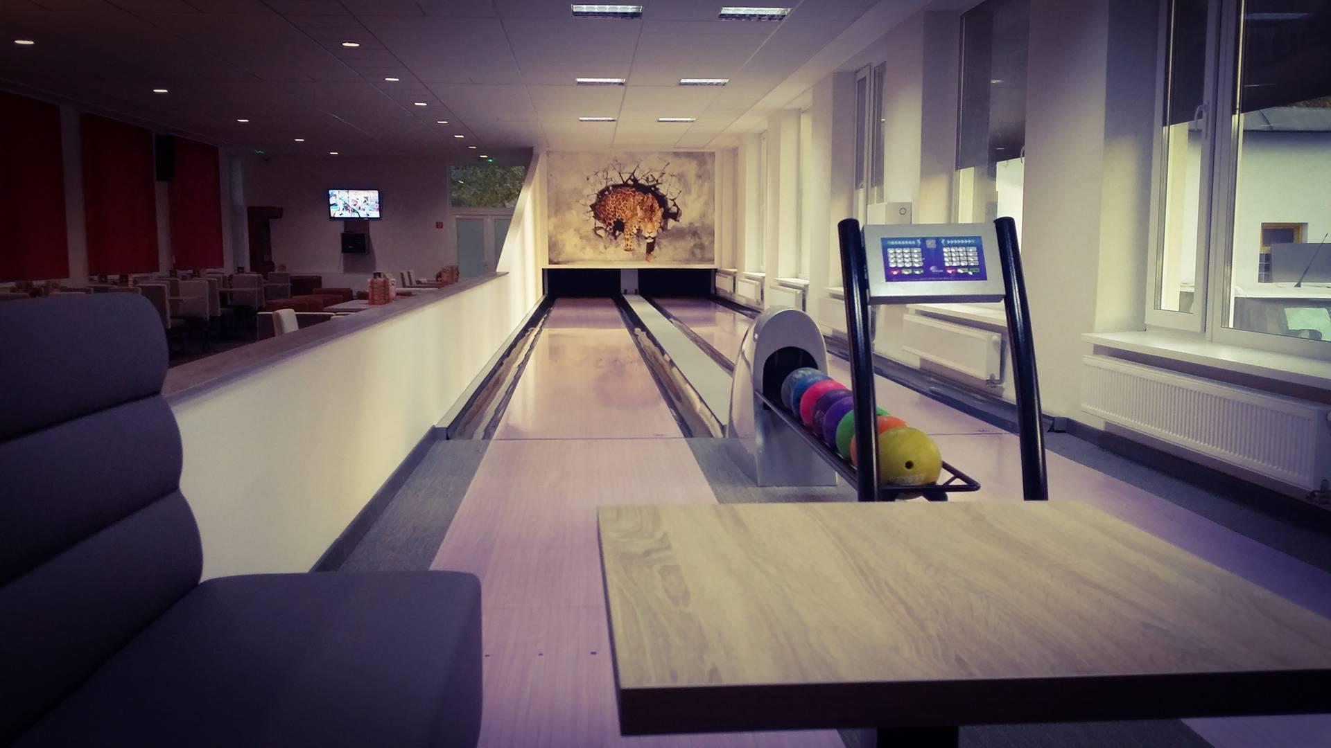 2009db80a7 Bowling Neónka Tovarníky - zábavné bo - Šport a relax